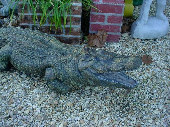 Alligator Bathroom Decor | ... Made 4 Foot Plus Life Like Alligator  Concrete Statue