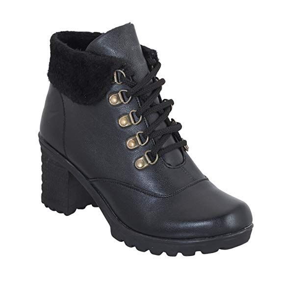 2f47bfb11e72 DEEANNE LONDON Women Ethnic Boots  Buy Online at Low Prices in India -  Amazon.in