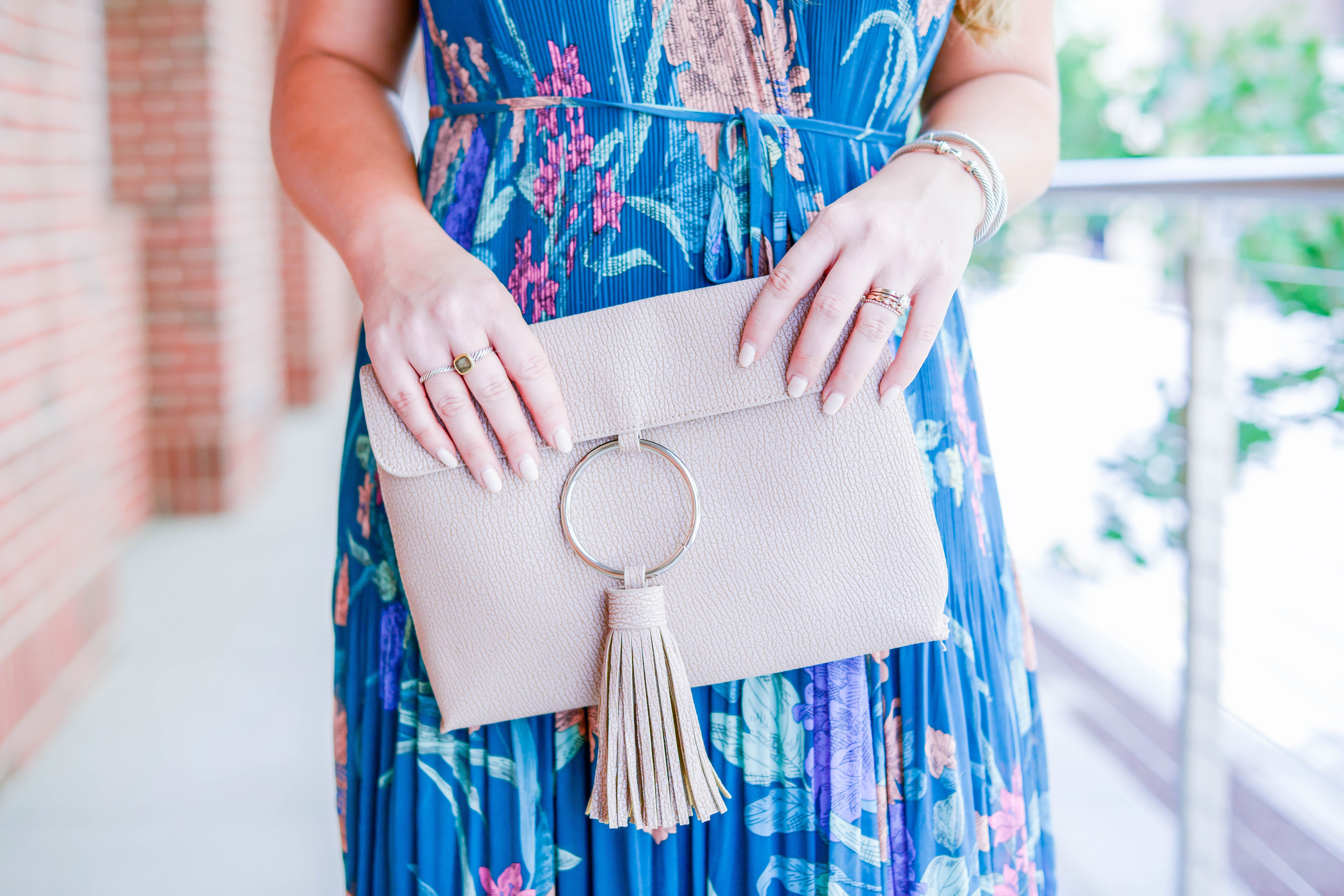 How to wear a maxi dress short girls shorts and blogger style