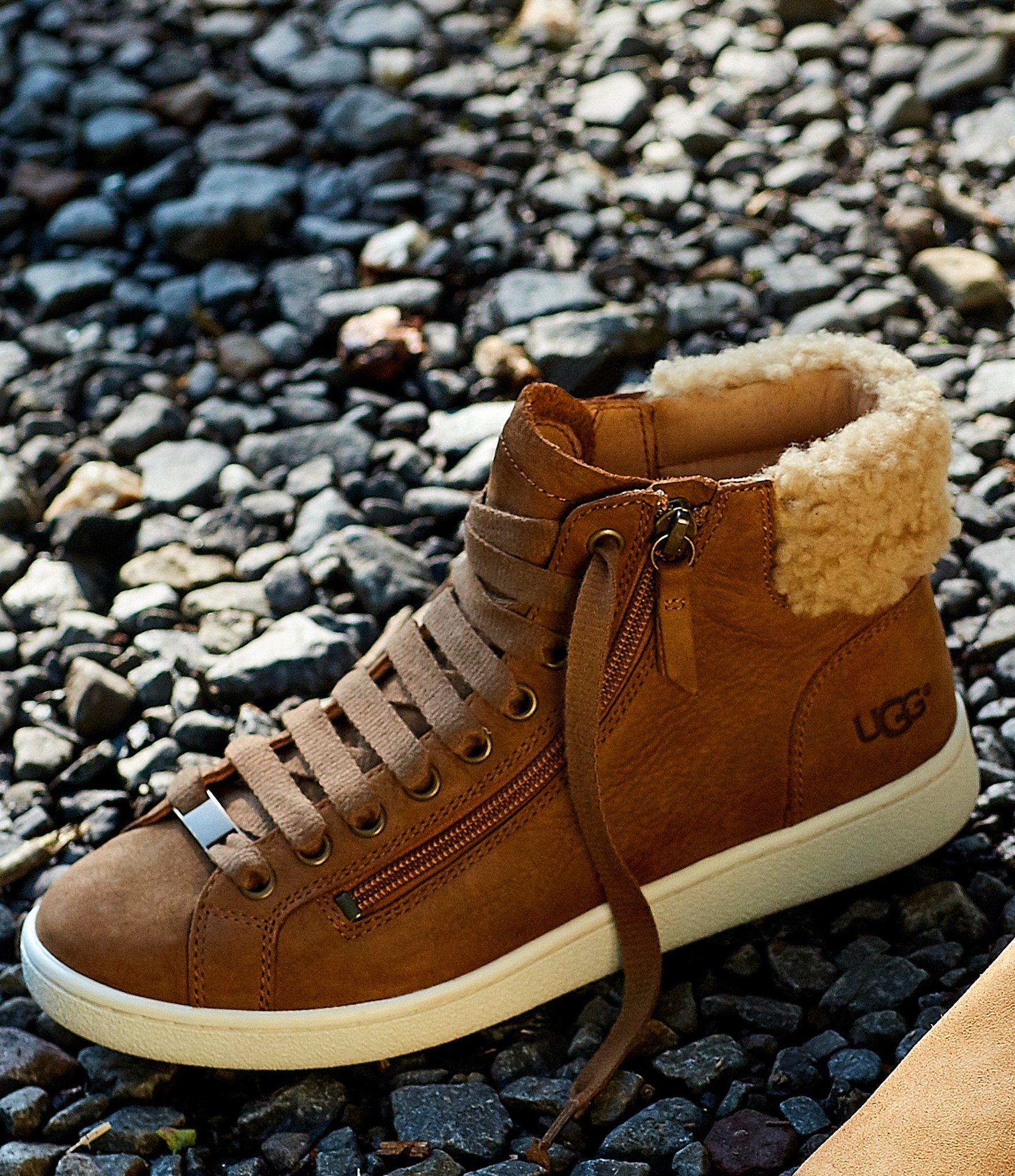 Ugg boots outfit, Ugg sneakers