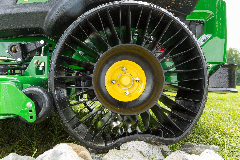 John Deere Garden Tractor Tires : John deere z series tweel