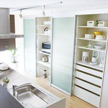 調理器具 食器 家電 ダストボックスまで全て収納するキッチンバック収納です キッチン収納 ユニモ 小さなキッチンのリフォーム キッチン 背面収納 南海プライウッド