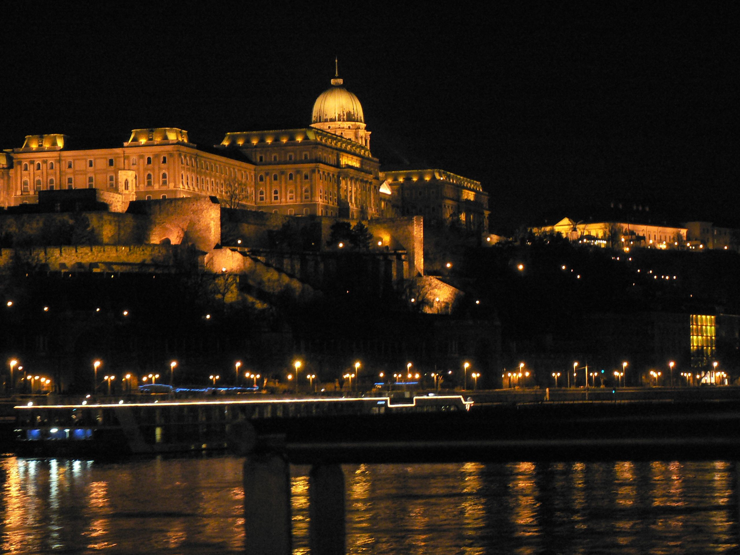Budapest At Night Wallpaper Budapest Budapest Places Places