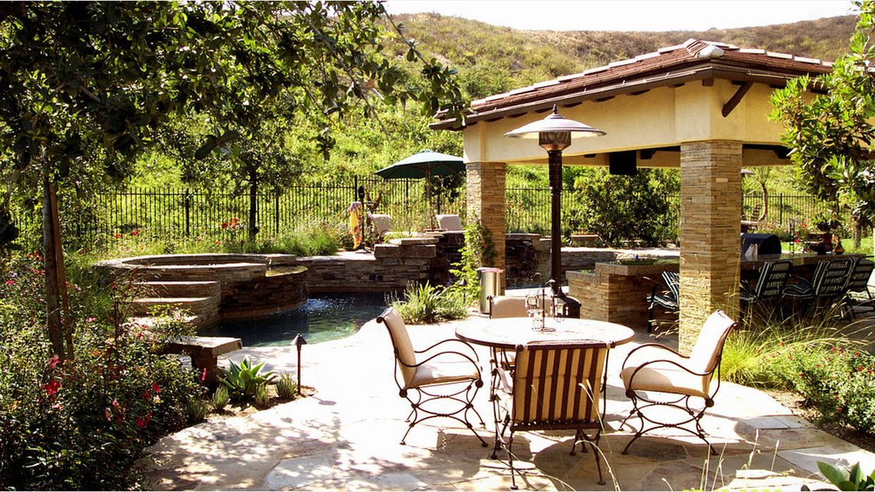 nice small pool with covered patio eating area pool ideas