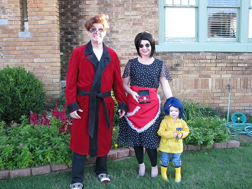 Coraline Family Costumes Best Family Costume Ever I Want To Do This Next Year Coraline Halloween Costume Coraline Costume Themed Halloween Costumes