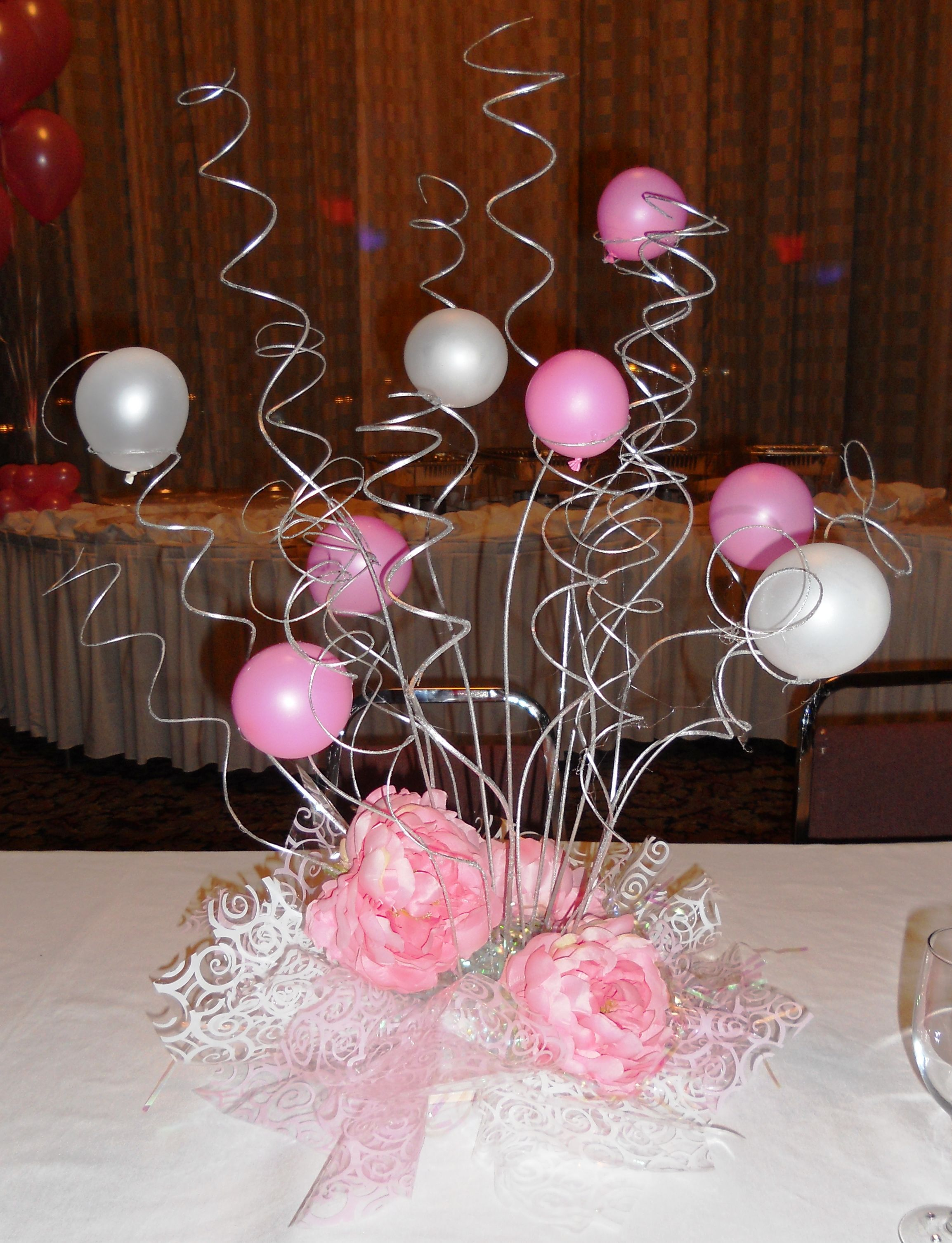 Elegant swirl centerpiece 1st bd arty ideas pinterest for Balloons arrangement decoration