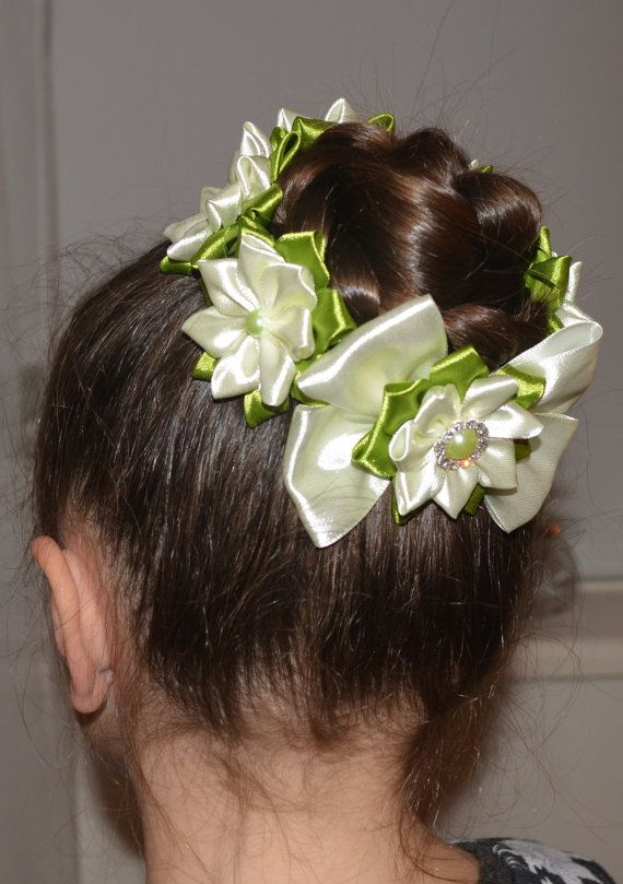 Items similar to Handmade Girl's SUMMER Flower Bun Wrap/Top Knot, Kanzashi, Cream/Green on Etsy