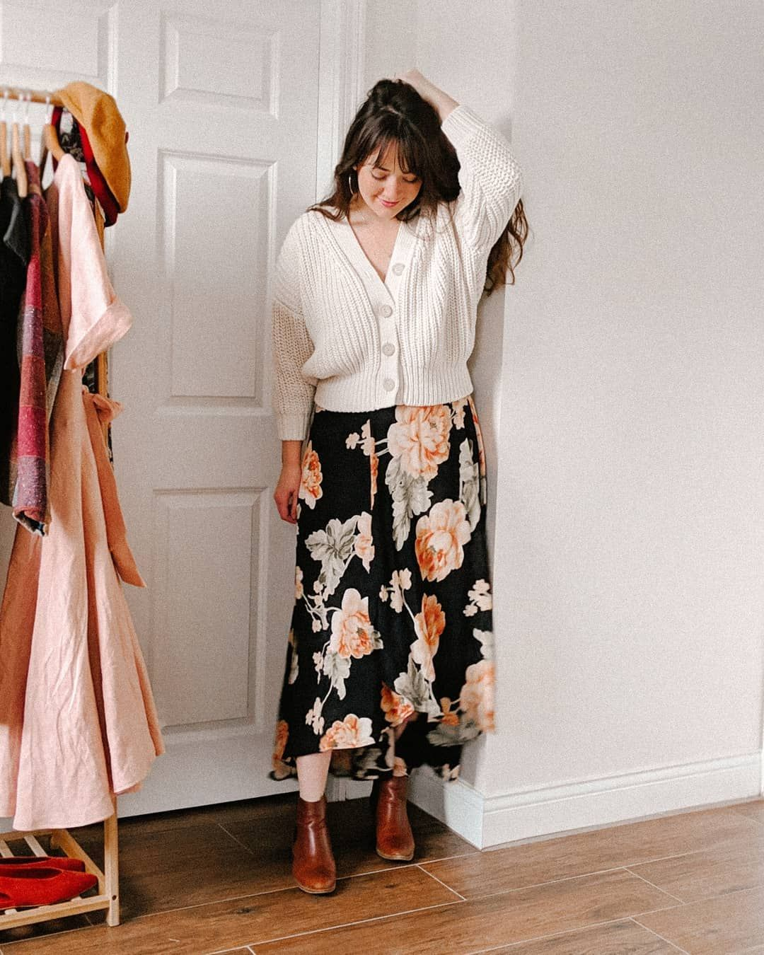 Style Blogger Inspired By The Classic Looks Of Audrey Hepburn Vintage Silhouettes Chic Parisian Street Style Rich C Floral Maxi Dress Chunky Sweater Clothes [ 1350 x 1080 Pixel ]