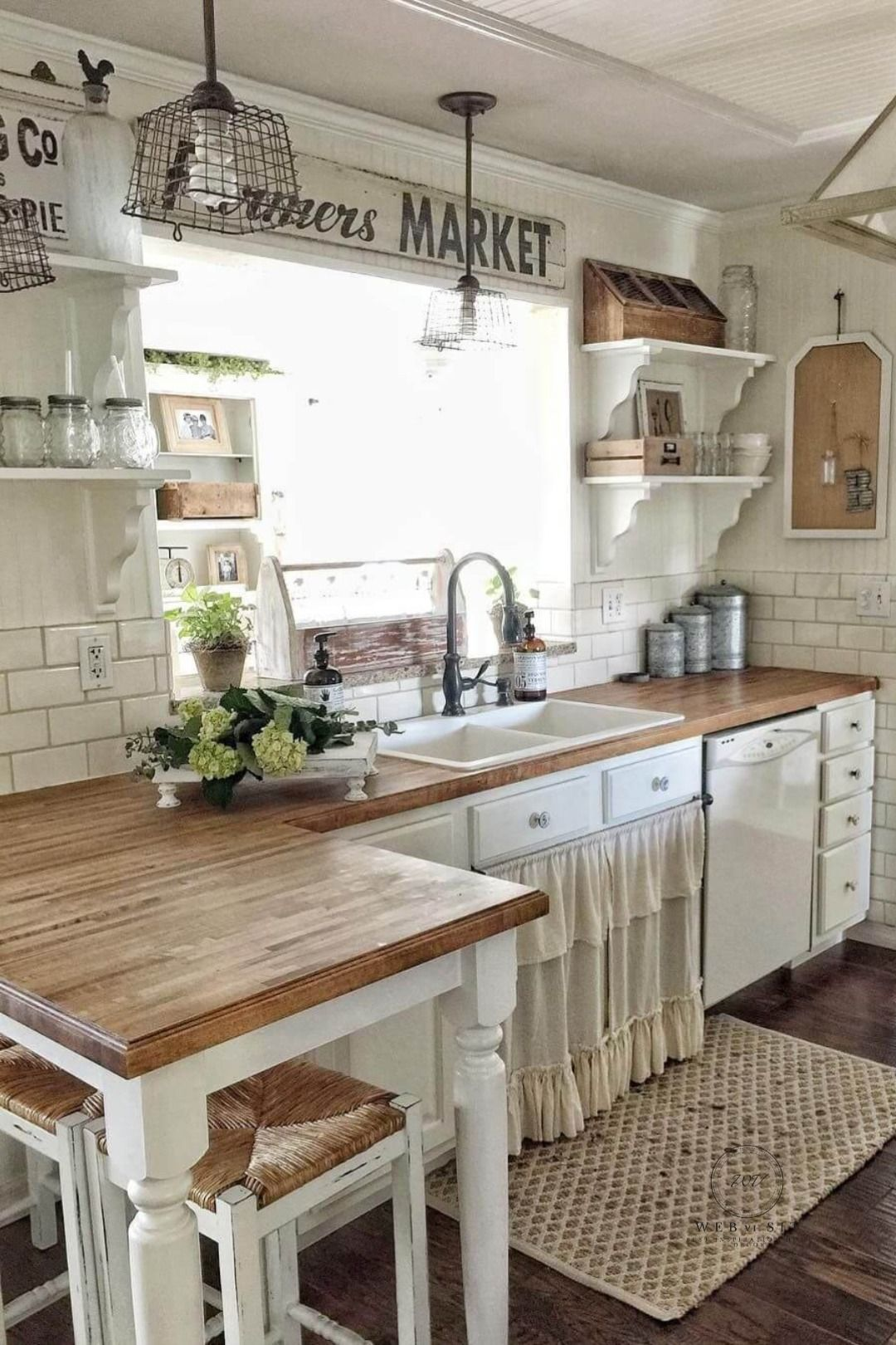 Simple Home Decoration Ideas For Your Kitchen Farmhouse Kitchen Design Farmhouse Kitchen Decor Farmhouse Style Kitchen