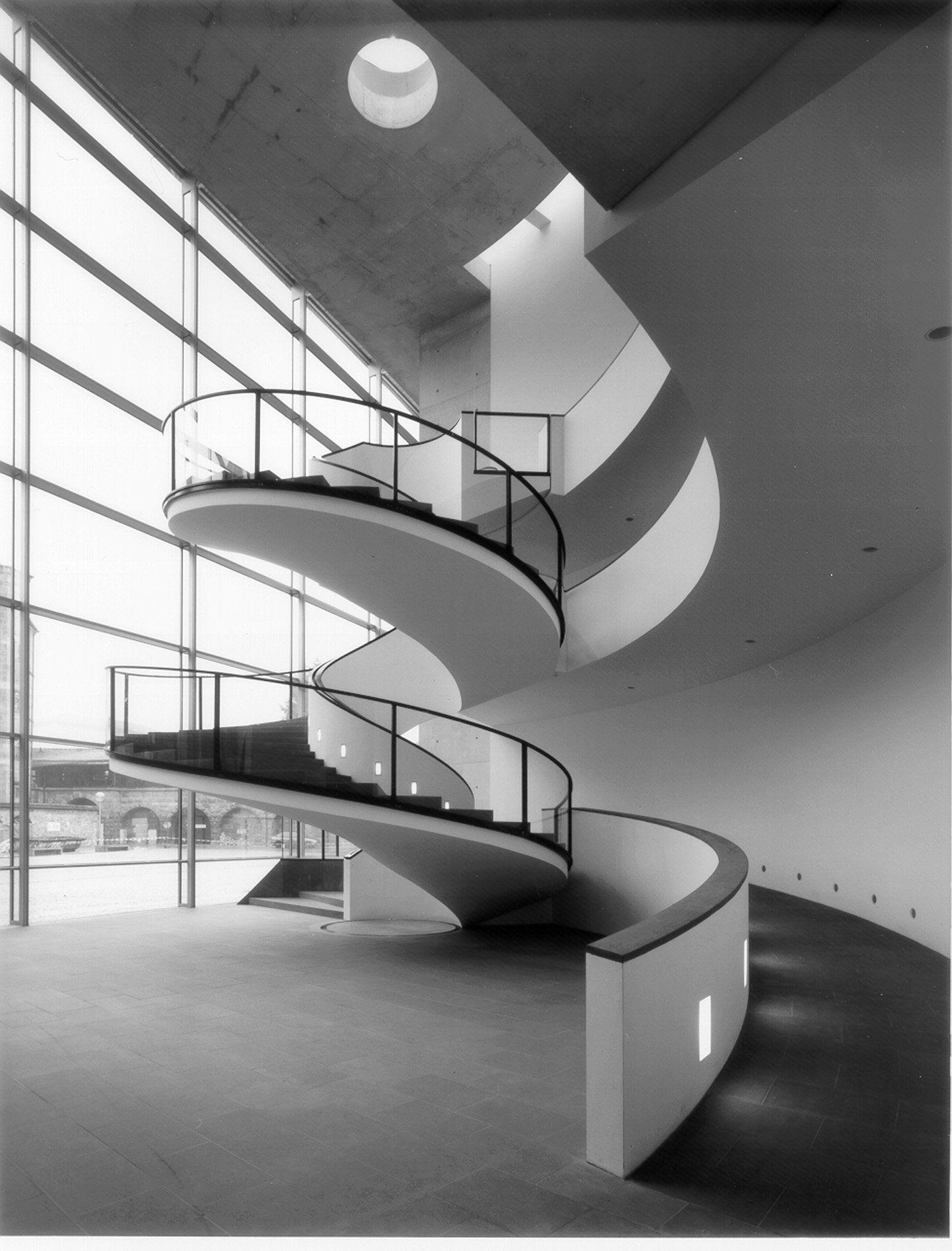 Staab architekten neues museum n rnberg stairs for Progettazione spazi interni