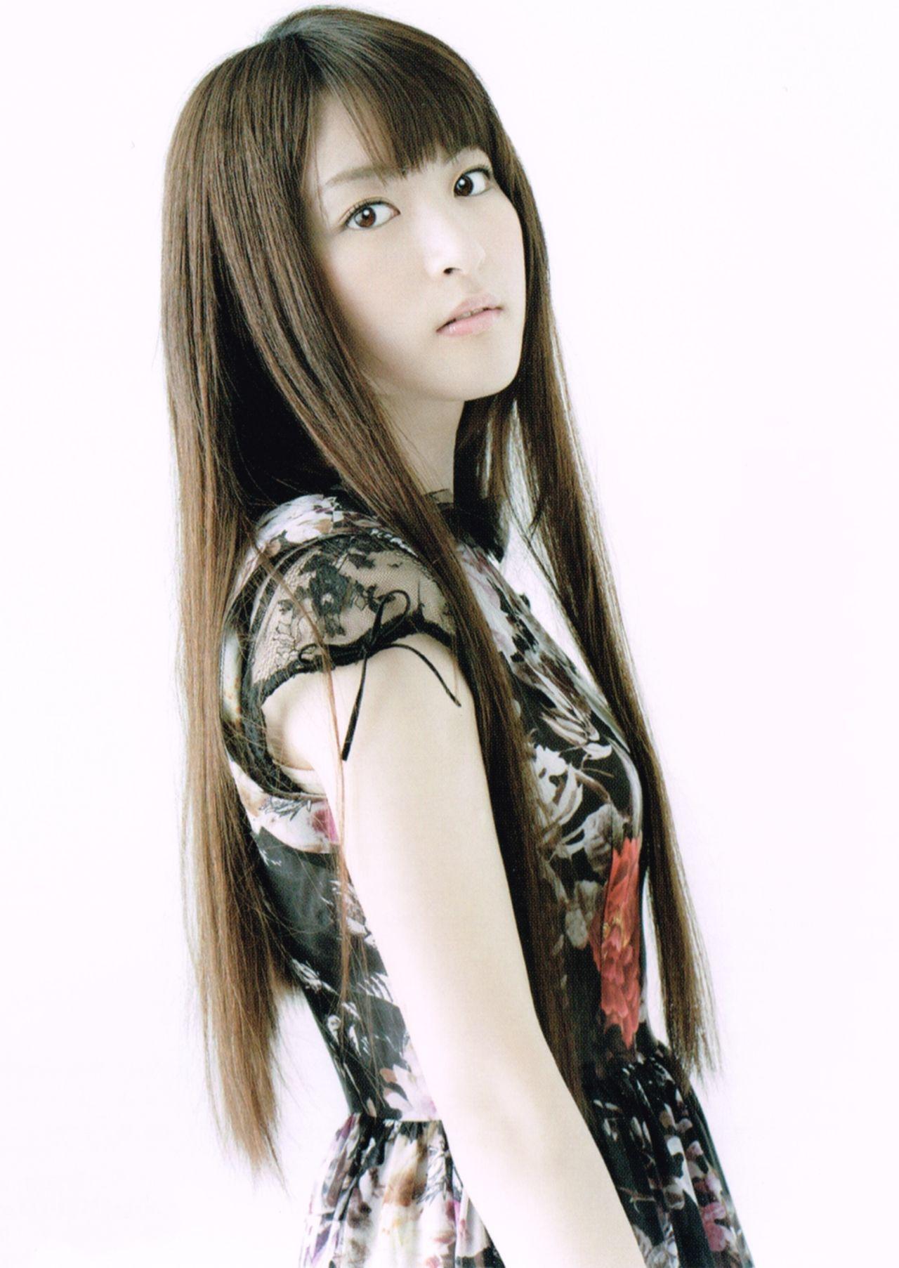 小松未可子さんのインナー姿