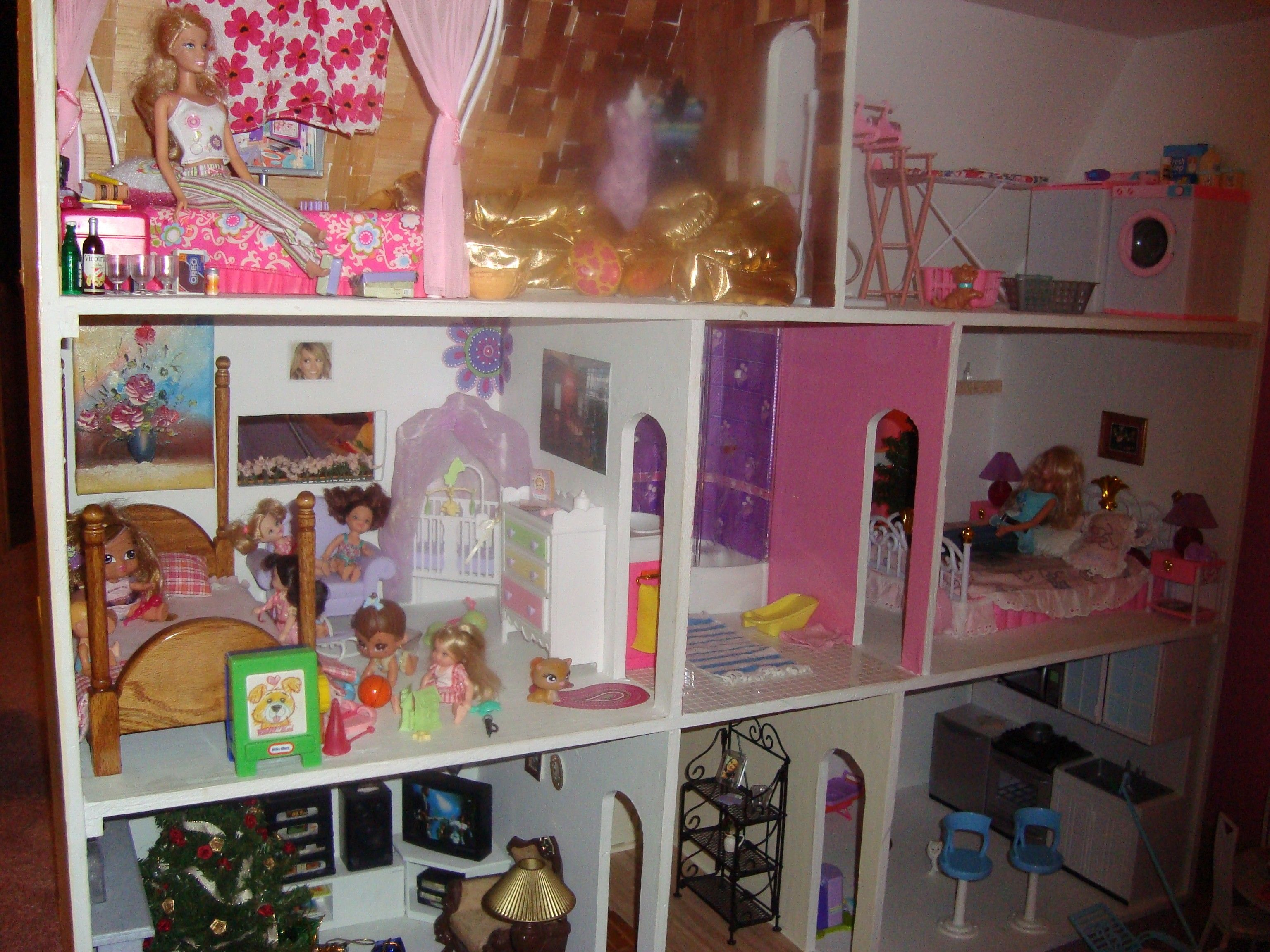 Captivating Barbie Houses   Google Search. Selbstgemachtes Barbie HausHausgemachte  PuppenMädchen ...
