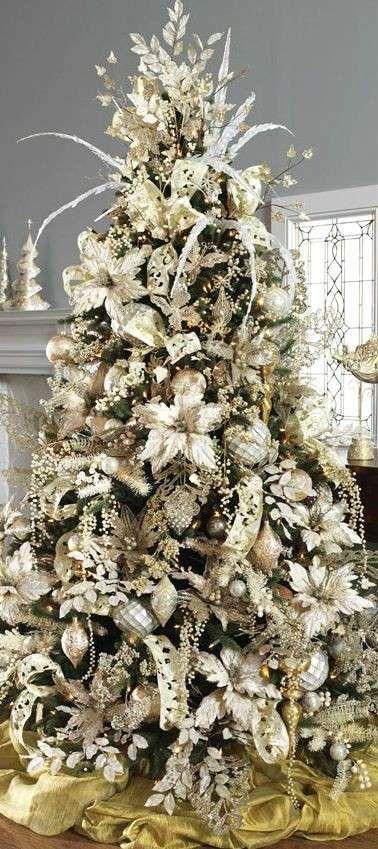 Fiori Bianchi Per Albero Di Natale.Decorazioni E Albero Di Natale Dorati Fiori E Decori Oro Chiaro