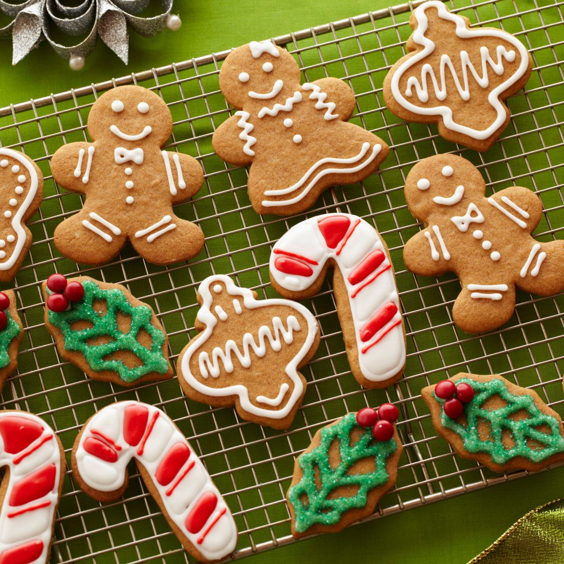 Gingerbread Cookies With Royal Icing Recipe Gingerbread Cookies Gingerbread Cookies Decorated Gingerbread Man Icing Recipe