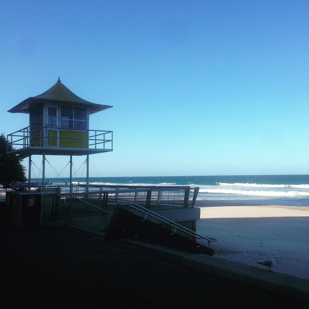 Lovin the view #surfersparadisebeach #lifeguardhouse by suusiecb http://ift.tt/1PI0tin