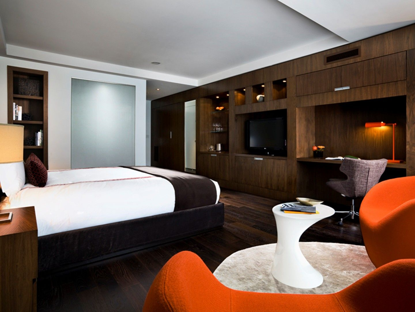 A King Superior Room At Jacquie Thompson Hotels Toronto