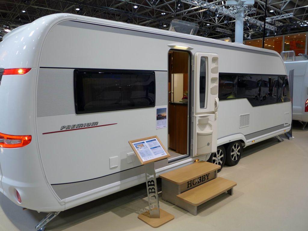 Hobby Premium 650 Ukfe Google Zoeken Recreational Vehicles Airstream Trailers Rv Exterior