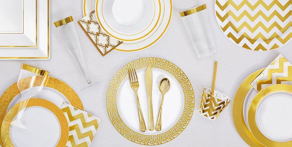 Plastic plates  sc 1 st  Pinterest & White Gold Premium Tableware | Gold Theme Party | Pinterest ...