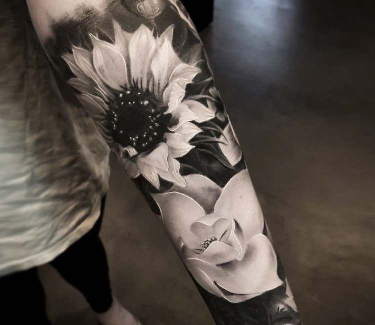 Flowers Tattoo By Mike Flores Black Flowers Tattoo Tattoo Style Sunflower Tattoos
