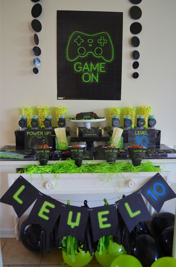 Super Cool Gamer Birthday Party - Pretty My Party - Party Ideas
