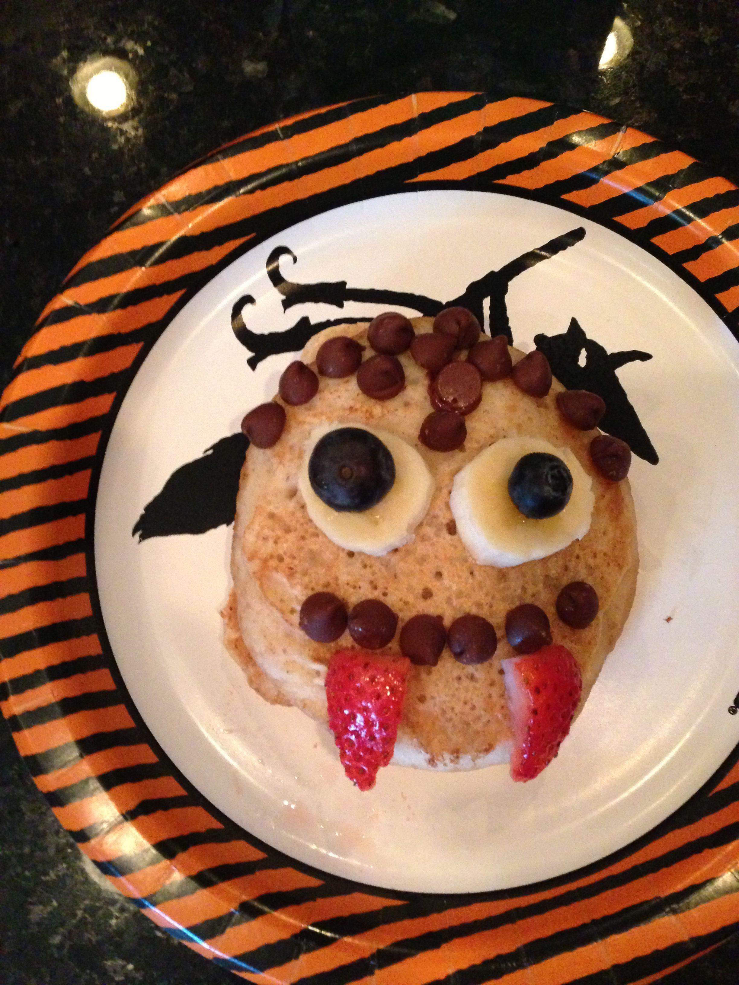 Count Pancakeula! Scary face pancakes for Halloween. | Halloween ...