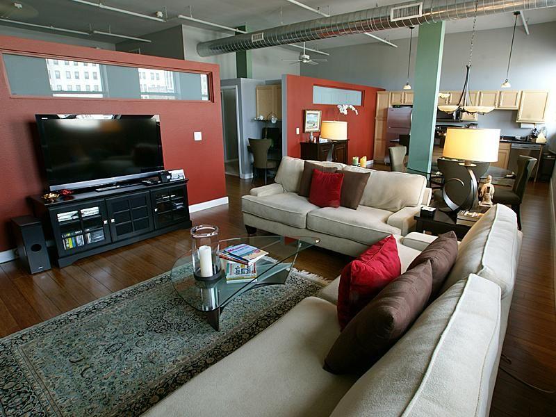 Boston Lofts, Mandel Group, Downtown Milwaukee Living · LoftsMilwaukeeBoston Apartments