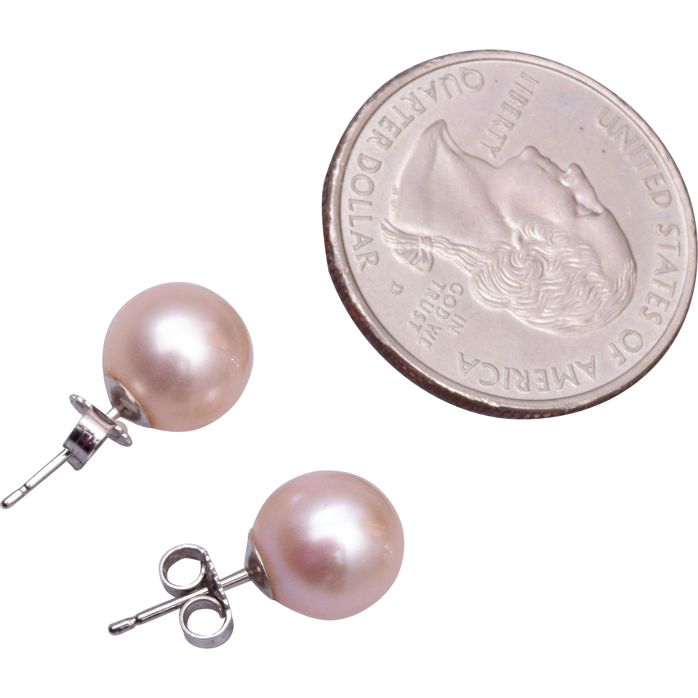 14kt and 9mm Cultured Pearl Earrings Pierced