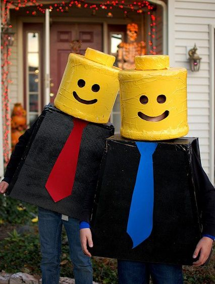 Et pourquoi pas en Lego's ? … | Costume de lego, Diy halloween, Deguisement halloween