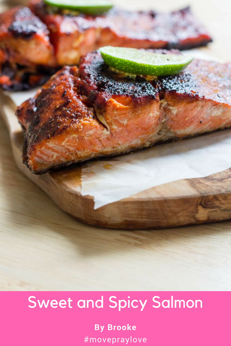 My Sweet and Spicy Salmon is delicious and under 350 calories per serving. #salmon #movepraylove #skinnysuppers