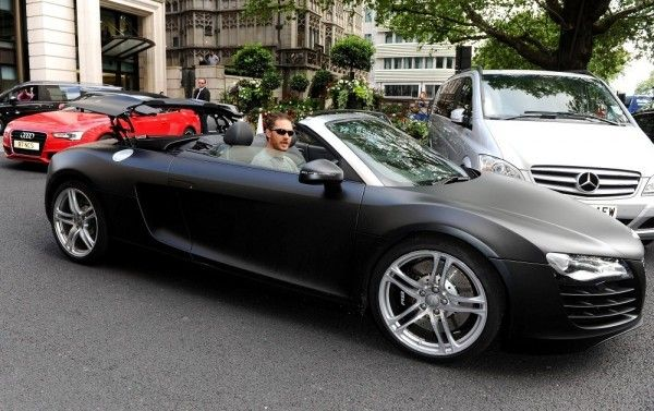 English Actor Tom Hardy Leaving A Hotel In His Matte Black Audi R8