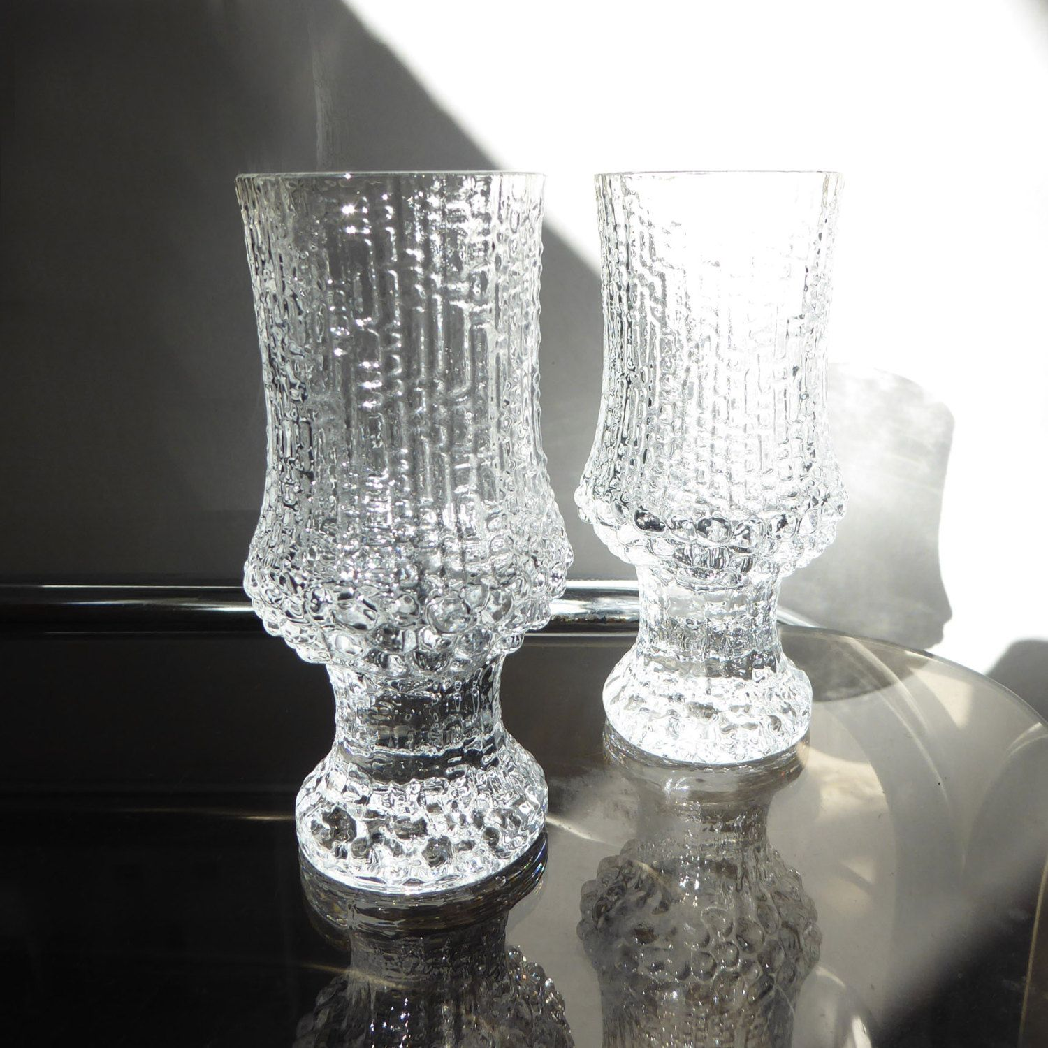 two iittala 39 ultima thule 39 small clear glass sherry aperitif shot glasses tapio wirkkala. Black Bedroom Furniture Sets. Home Design Ideas