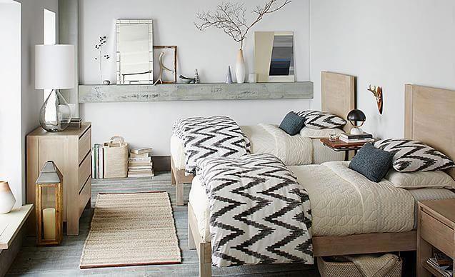 Neue skandinavische Gästezimmer. Ich liebe die Idee eines Gästezimmers mit zwei Betten. Ich liebe das Regal #designideas #designinspiration #designlovers #designersaree #designsponge #designersarees #designbuild #designersuits #fashionmuslim #scandinaviandesign #industrialdesign #nailsdesign #nailartist