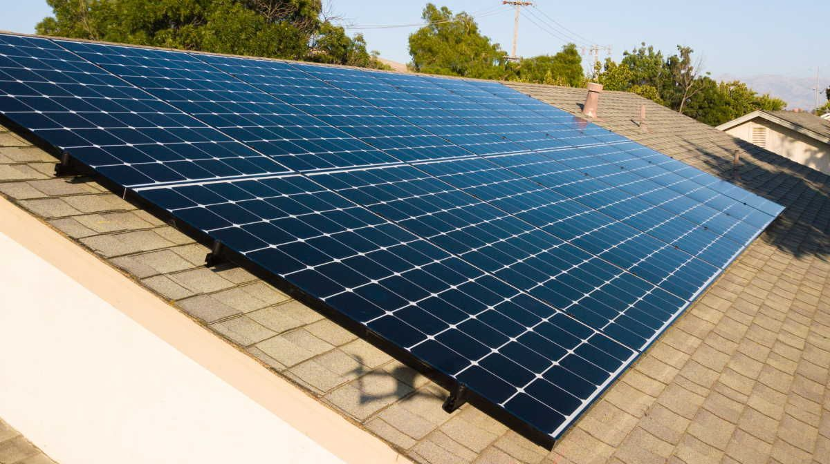 Average U S Construction Costs For Solar Energy Continue To Decrease With Images Solar Panels Solar Panel Installation Best Solar Panels
