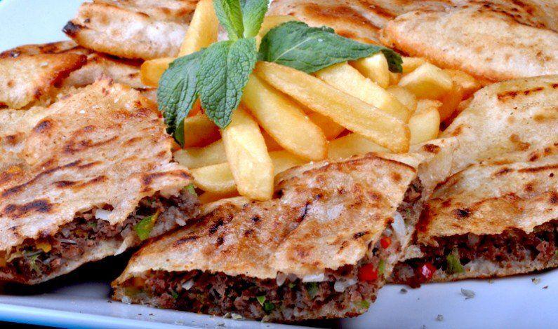 اسهل طريقة عمل حواوشى مصري كيفية عمل الحواوشى الاسكندرانى Egyptian Food Recipes Food