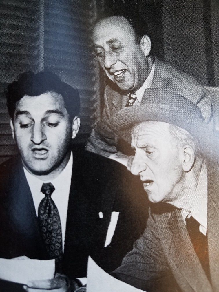 Danny Thomas and Jimmy Durante trying to get producer Joe Pasternak to  laugh.   Danny thomas, Fun facts, People