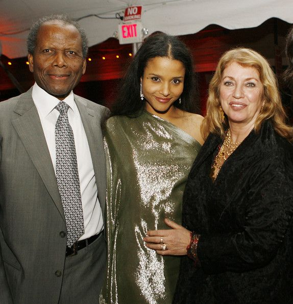 Sidney Poitier and Joanna Shimkus with daughter Sydney Poitier