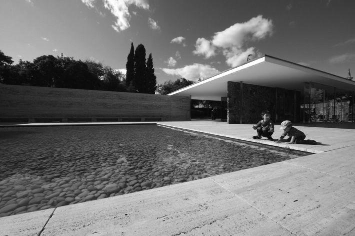 Mi Moleskine Arquitectónico: MIES VAN DER ROHE: PABELLÓN ALEMÁN EN ...