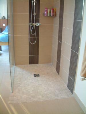 Salle de bains avec douche italienne - Douche italienne - Montrez - Salle De Bain Moderne Douche Italienne