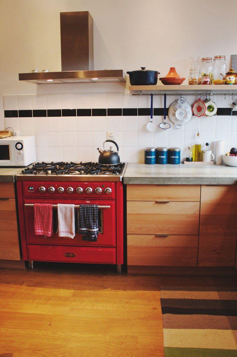 Elena U0026 Juddu0027s Cozy Amsterdam Apartment. Simple Kitchen DesignHousehold ...