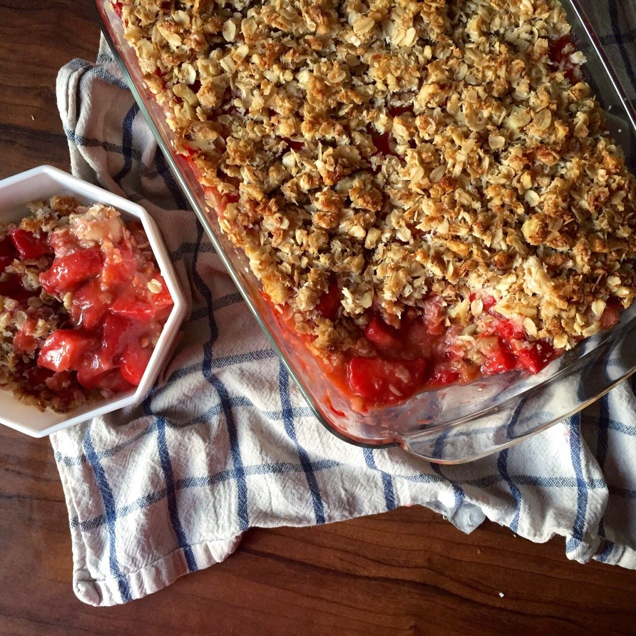 GRAZING WITH DANI: Strawberry-Rhubarb Coconut Crumble