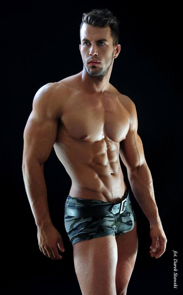 Jacek Kramek: Masculine Desire
