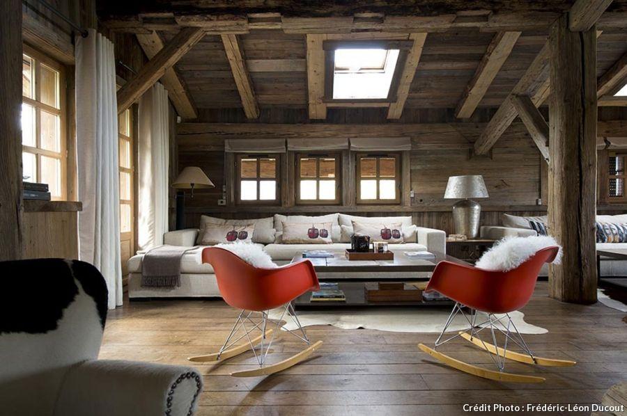 Le design r invente le chalet de montagne combloux for Decoration maison de montagne