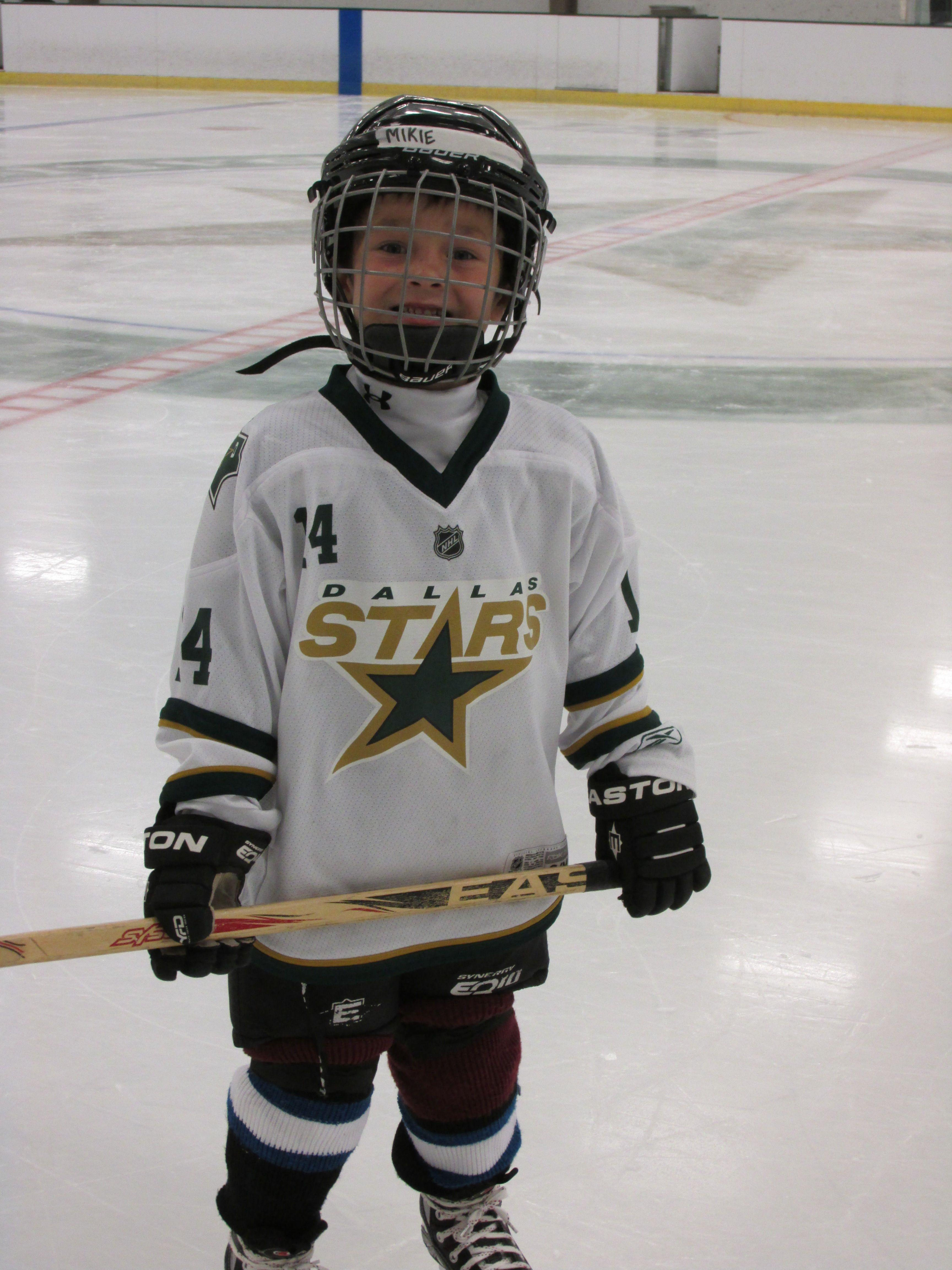 Little Hockey Player 3 Hockey Kids Hockey Wife Hockey Pictures