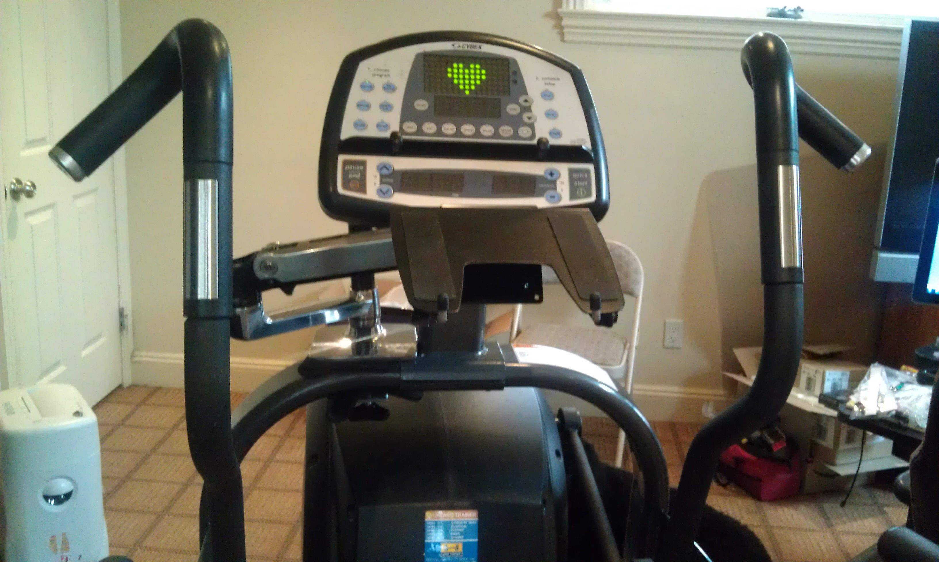 Clamp On Keyboard Mount Lets You Exercise On An Elliptical
