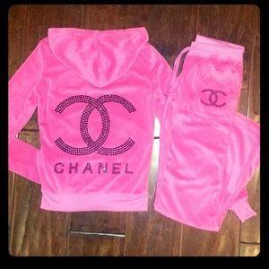 Chanel Tracksuit ♥  ca3c3f51f