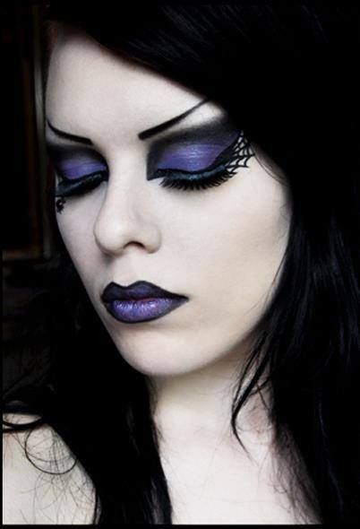 Maquillage gothique Goth en 2019 Maquillage gothique