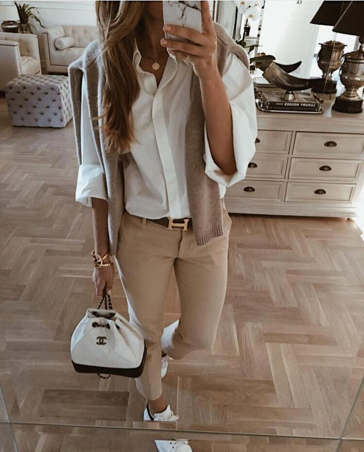 Combine Floral Patterns How To Wear The Trend Prints Properly Everything You Are Looking For Work Outfits Women Summer Work Outfits Manhattan Fashion