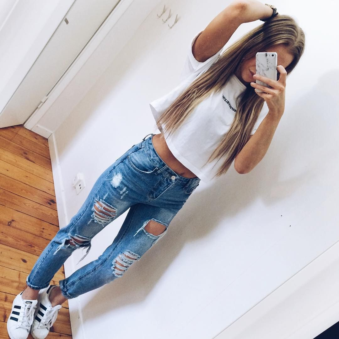 200 cute ripped jeans outfits for winter 2017 winter clothes and fashion. Black Bedroom Furniture Sets. Home Design Ideas