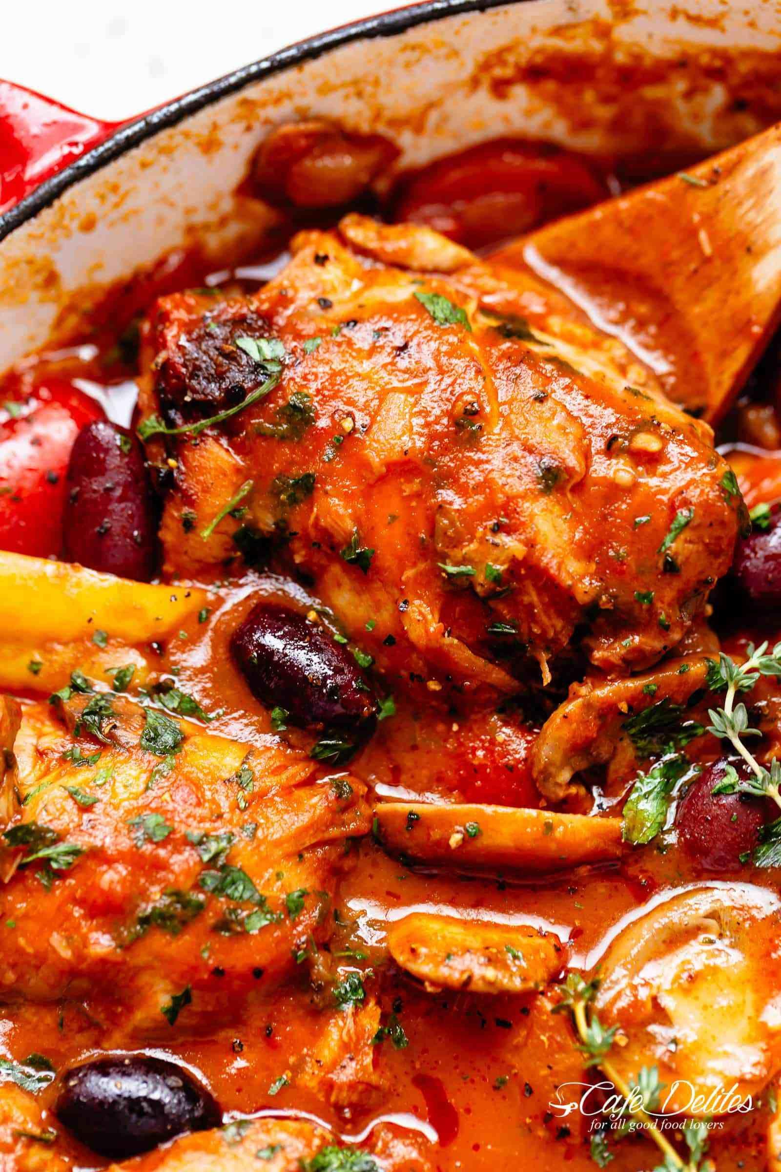 The Best Chicken Cacciatore Recipe Is Easy To Make Cafedelites Com Cacciatore Recipes Chicken Cacciatore Recipe Italian Comfort Food