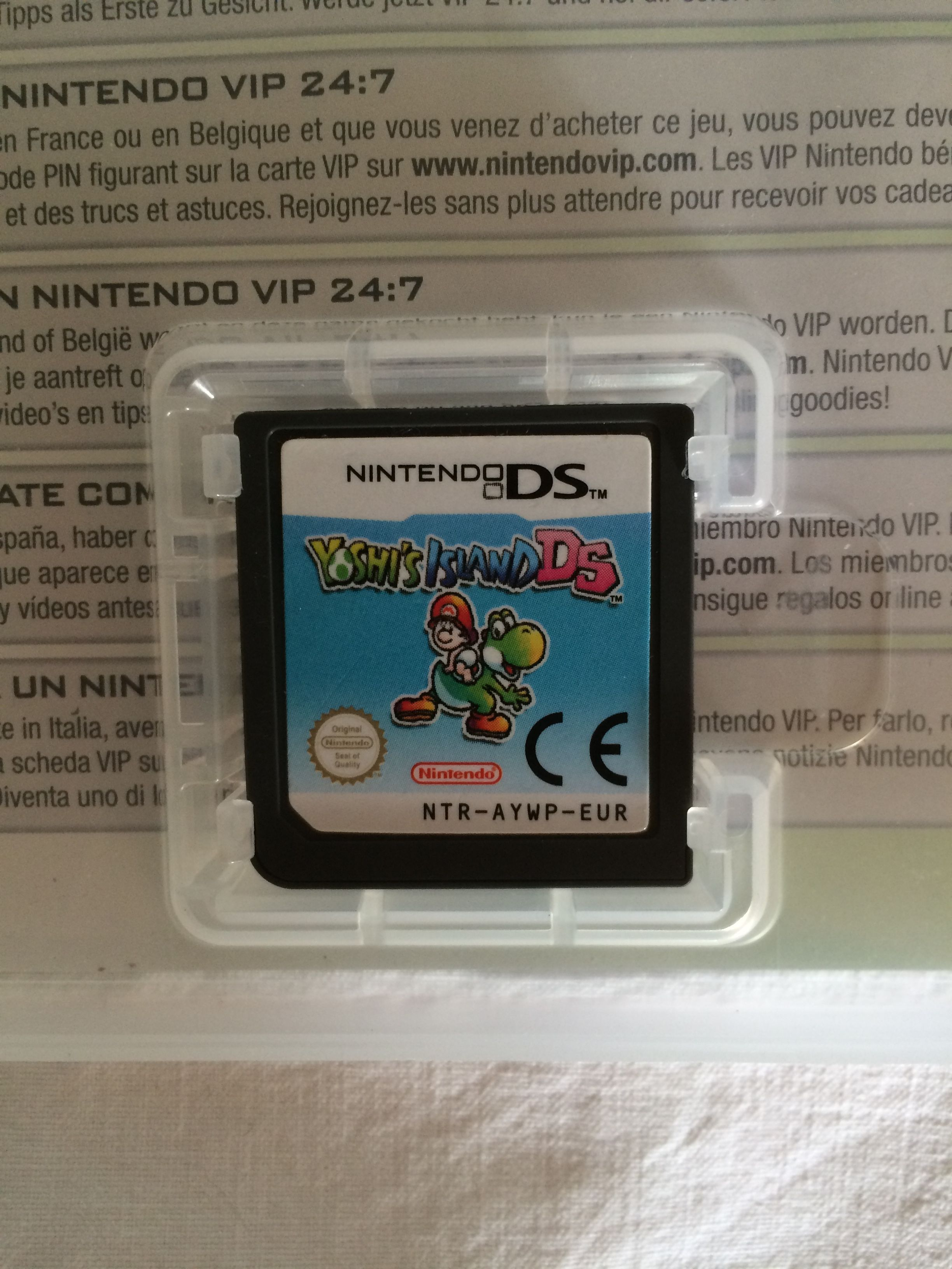 Yoshi's Island DS game card. Yoshi, Nintendo ds, Nintendo
